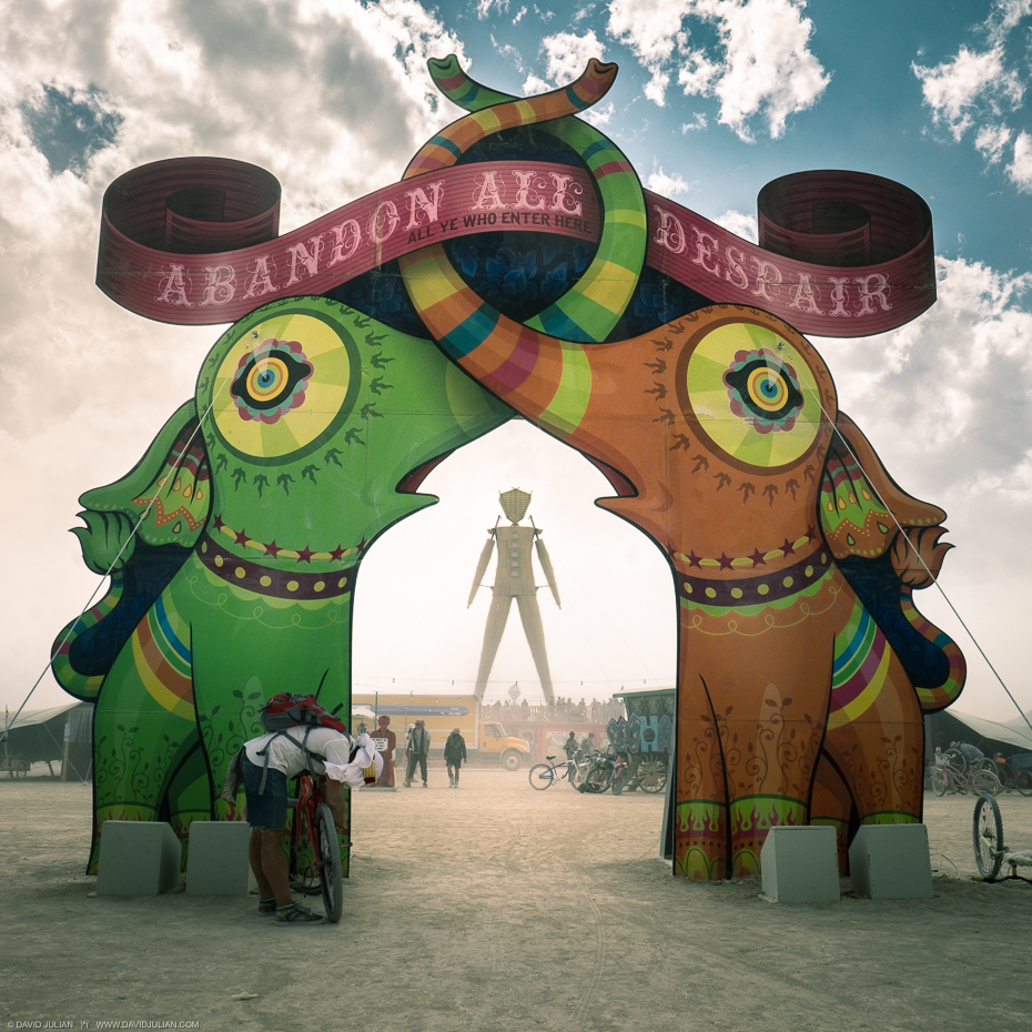 01Burning Man 2015-ENTRANCE 0414-APF
