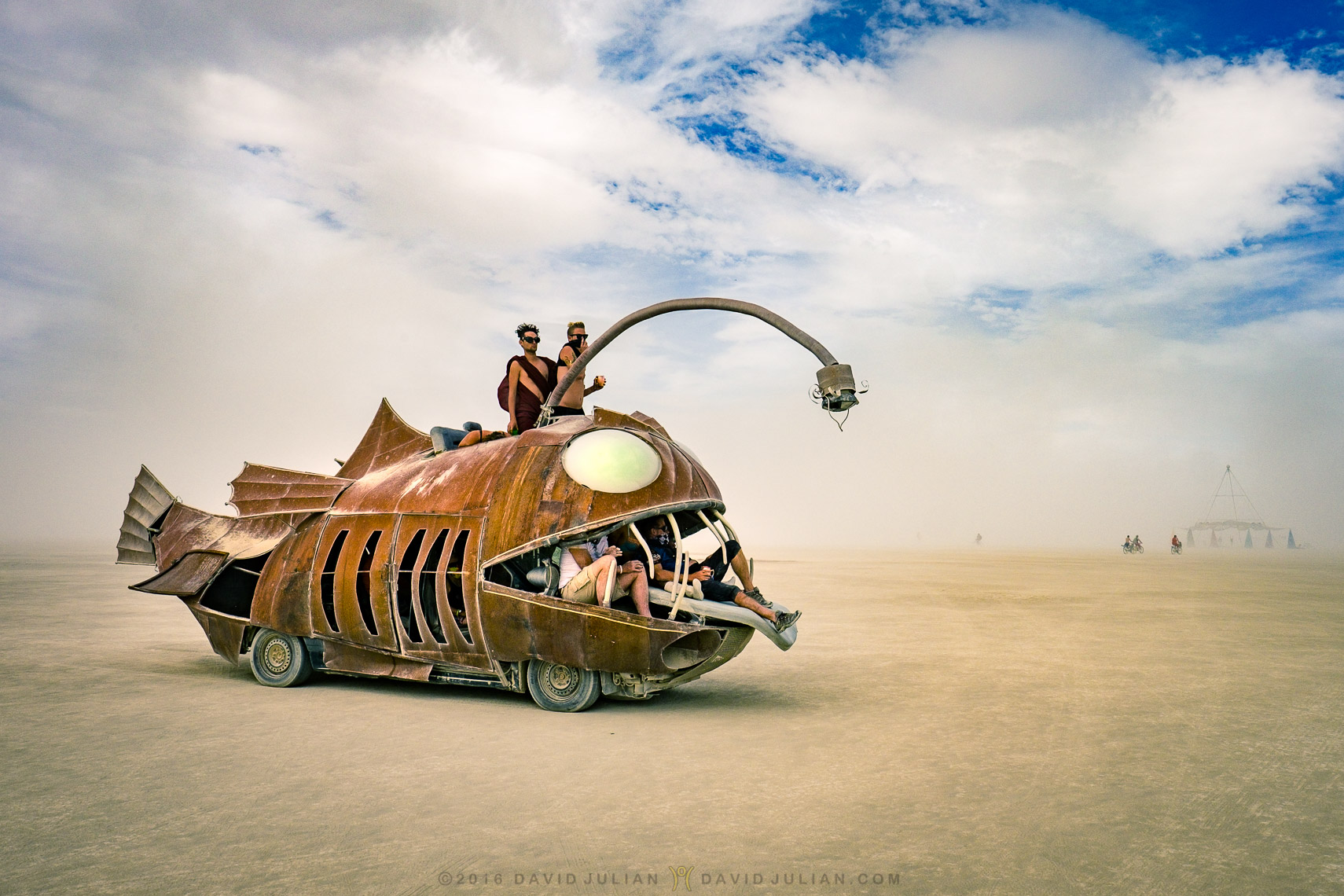 01_Burning Man 2016-flame-throwing fish-4721_APF