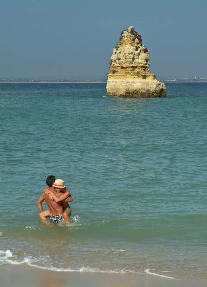 Portugal,_lovers_in_Algarve-0672.jpg
