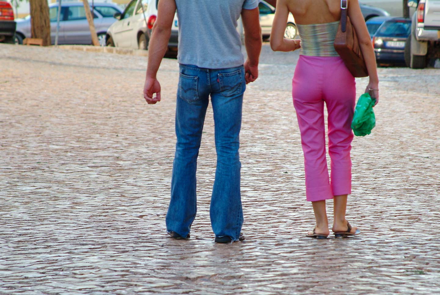 Portugal,_sexy_couple_rear-.jpg